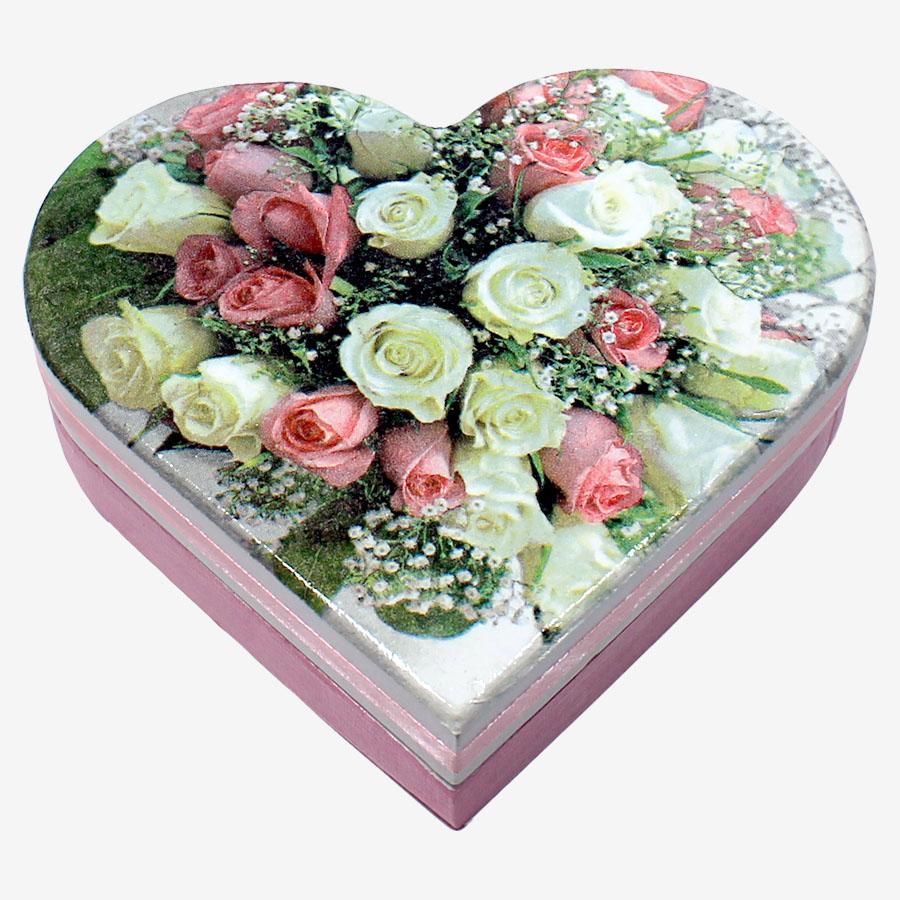 Rózsacsokorral díszített, tükrös szív