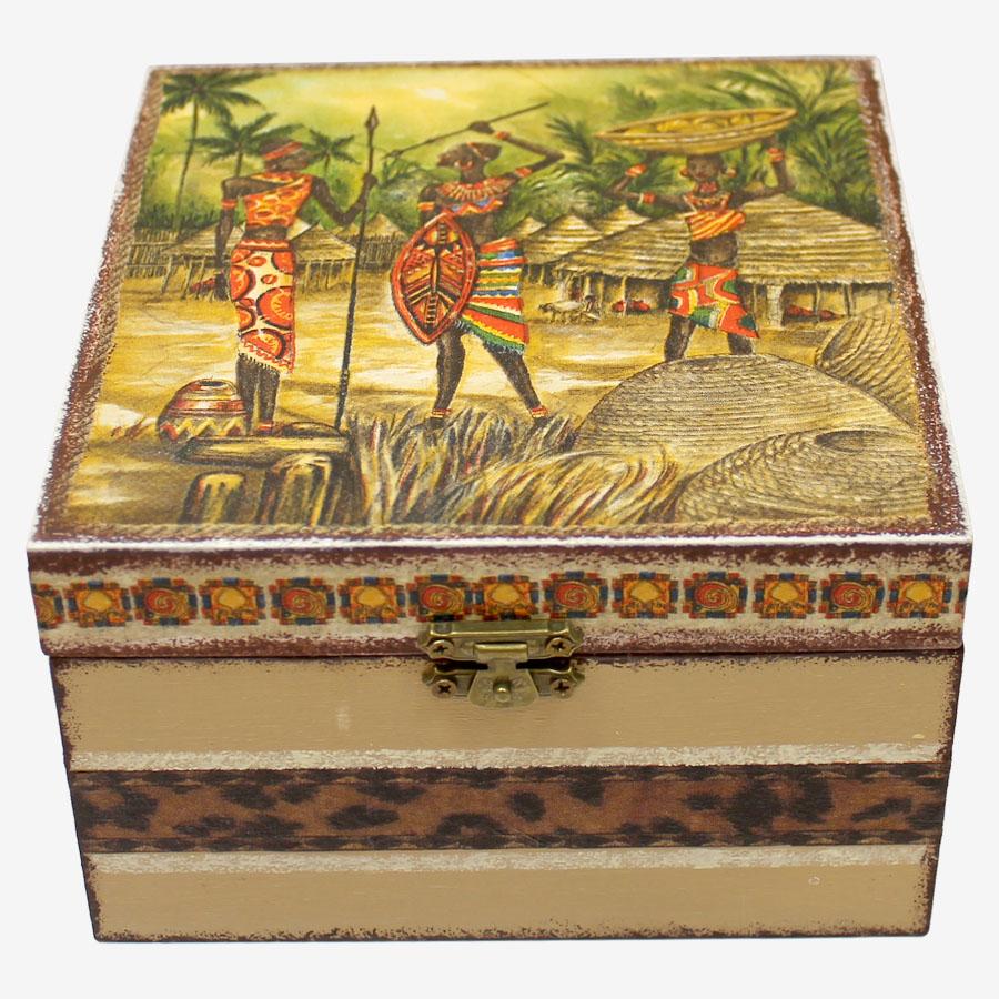 Lándzsás, afrikai mintás, kocka alakú fadoboz