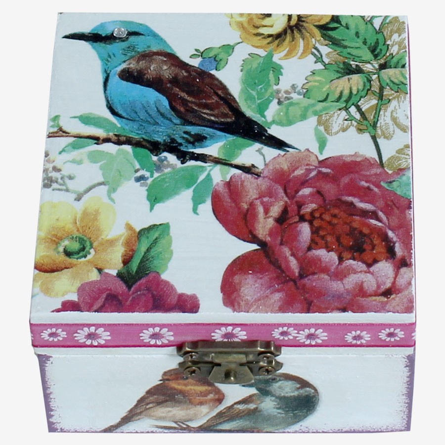 Kék kismadaras, kocka alakú doboz